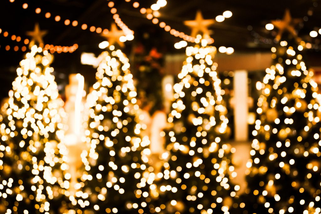 5 Tips for a stylish outdoor holiday decoration